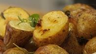 Przepis na pieczone młode ziemniaki