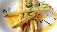 Przepis na białe szparagi z sosem holenderskim
