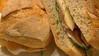 Przepis na Panino z prosciutto crudo i melonem