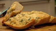 Przepis na domowe pieczywo czosnkowe z serem