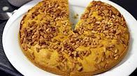 Przepis na Ciasto Kurkumowe z orzeszkami pinii